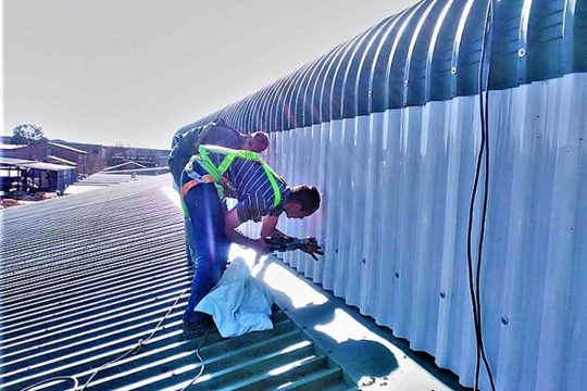 POLYCARBONATE PROFILED ROOF SHEETING2